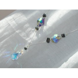 Hématites, verre et cristal swarovski.