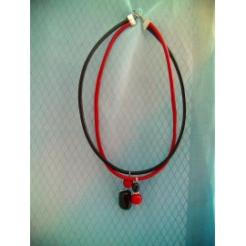 Tourmaline noire, corail rouge et cuir
